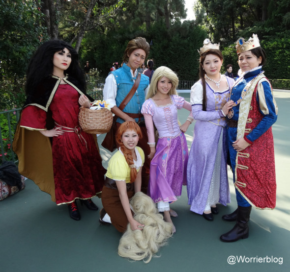 DSC01002 590x555 LE GEEK CEST CHIC: Top 10 Cosplay Tips   Straight From Tokyo Disneyland!