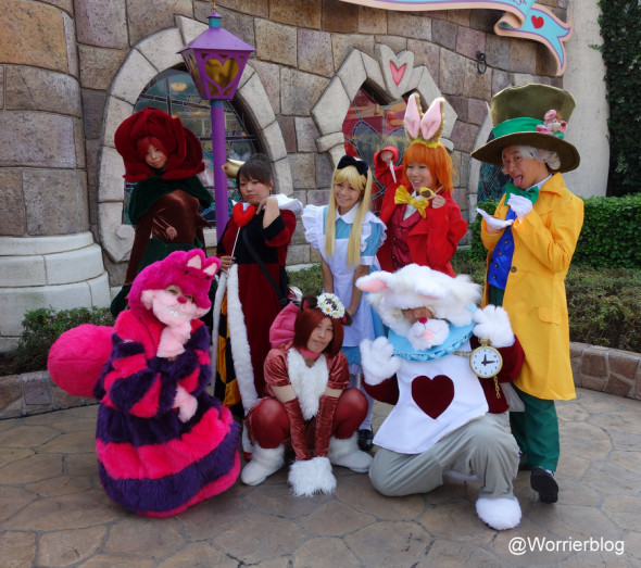 DSC01296 590x523 LE GEEK CEST CHIC: Top 10 Cosplay Tips   Straight From Tokyo Disneyland!