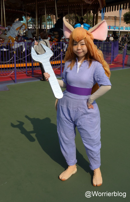 DSC01299 451x700 LE GEEK CEST CHIC: Top 10 Cosplay Tips   Straight From Tokyo Disneyland!