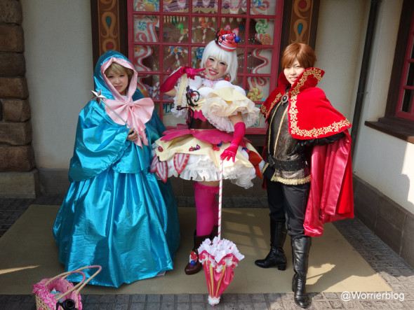 DSC01306 590x443 LE GEEK CEST CHIC: Top 10 Cosplay Tips   Straight From Tokyo Disneyland!