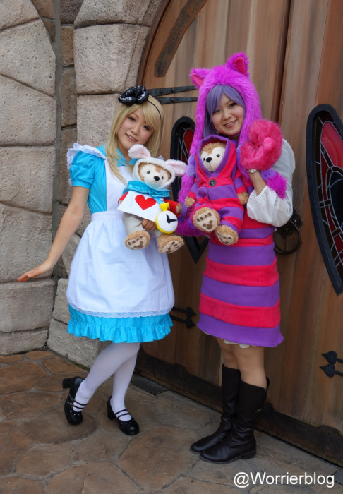 DSC01322 001 486x700 LE GEEK CEST CHIC: Top 10 Cosplay Tips   Straight From Tokyo Disneyland!