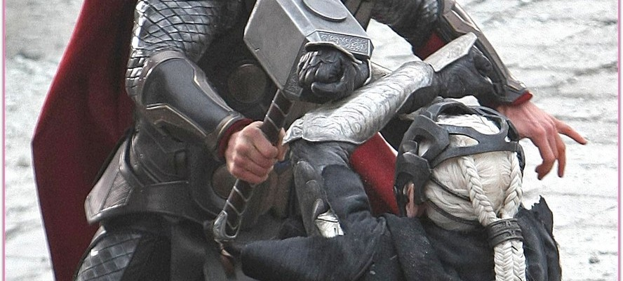 "Chris Hemsworth Films ""Thor: The Dark World"""