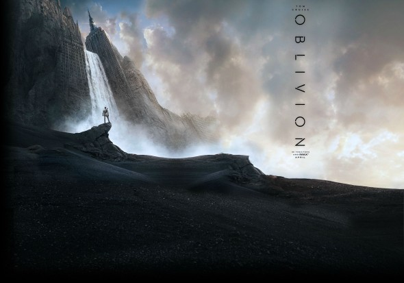 4nxaM 590x413 Tom Cruise Fights for Earth in the OBLIVION Trailer