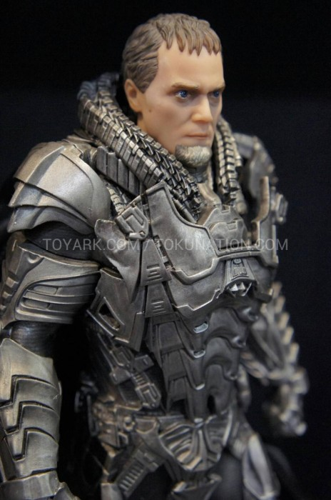 MAN OF STEEL Toys Finally Give Us a Good Look at Villains Zod and Faora