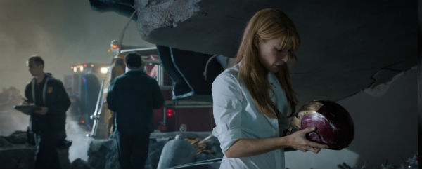 gwyneth paltrow iron man 3 banner slice rescue TOP 5 Replacements for Robert Downey Jr. as IRON MAN