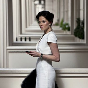 lara pulver irene adler sherlock Why ELEMENTARY Is Better Than SHERLOCK