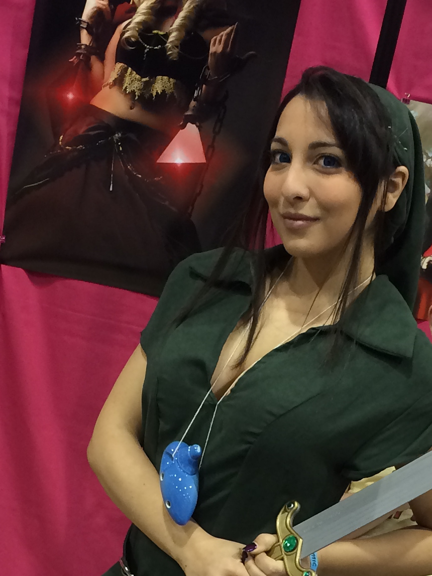 Amanda K dressed as female Link AMAZING ARIZONA COMIC CON 2014 — Cosplay!
