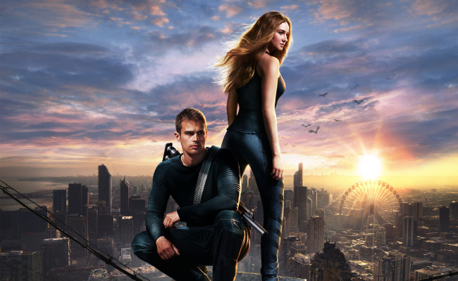 DIVERGENT Review:  Redundant but it works