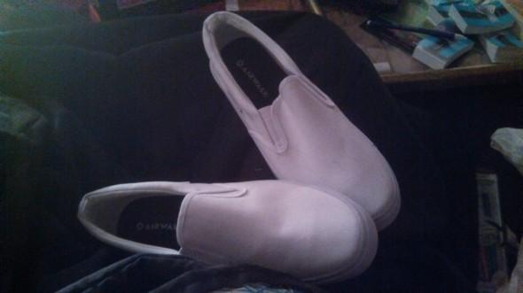 2013 11 29 21.03.39 590x331 Spider Man DIY Shoes