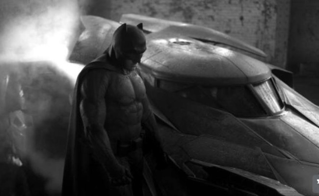 The Batfleck Has Arrived! BATMAN VS. SUPERMAN Batsuit Revealed