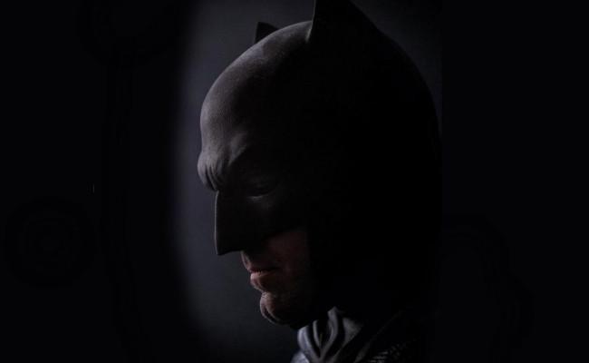The Batfleck Rises Again! New Batman Closeup for BATMAN V SUPERMAN
