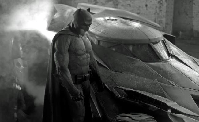 Bat-Signal, Pissed of Superman, Armored Batman.  BATMAN V SUPERMAN Leaked Scene
