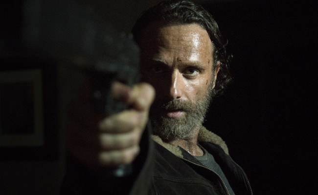 """THE WALKING DEAD """"Four Walls and a Roof"""" Review"""